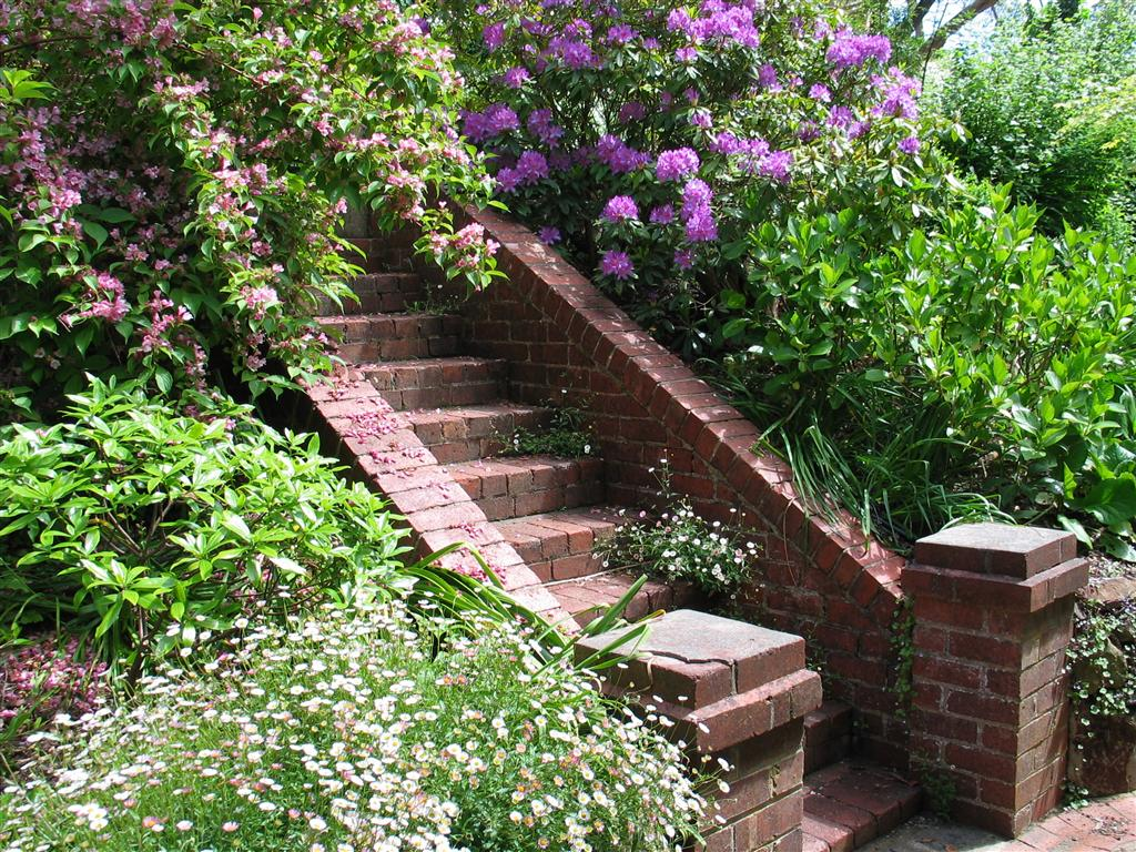restoration respects an existing mood - Garden Ideas Adelaide